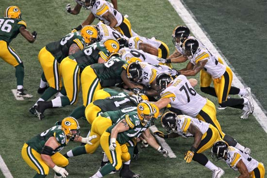 Pittsburgh Steelers and Green Bay Packers Battle